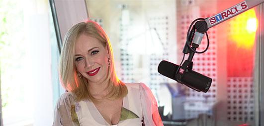 Jelena Rozga na Radiju S uživo peva svoje najveće hitove